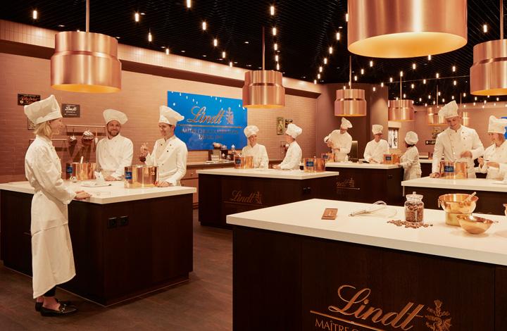 Die CHOCOLATERIA, in der Besucherinnen und Besucher selber Schokolade kreieren